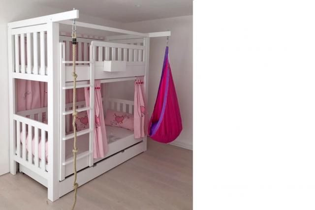 Etagenbett LISTO in Komplettausstattung: mit Gästebett und mit Kletterseil und Hängesitz