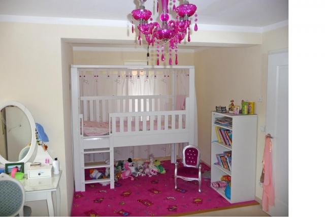 mitwachsendes Kinderbett LISTO als Prinzessinnen-Bett