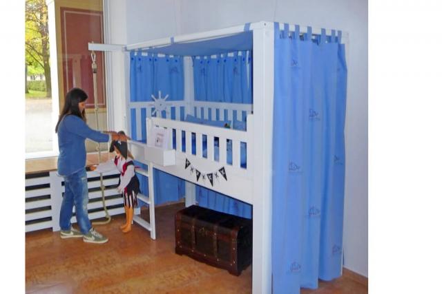 mitwachsendes Kinderbett LISTO als Spielbett PIRAT