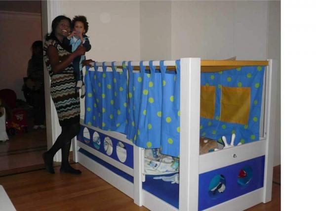 Piratenbett mit Stoffhimmel für Jungs ab 3 Jahren