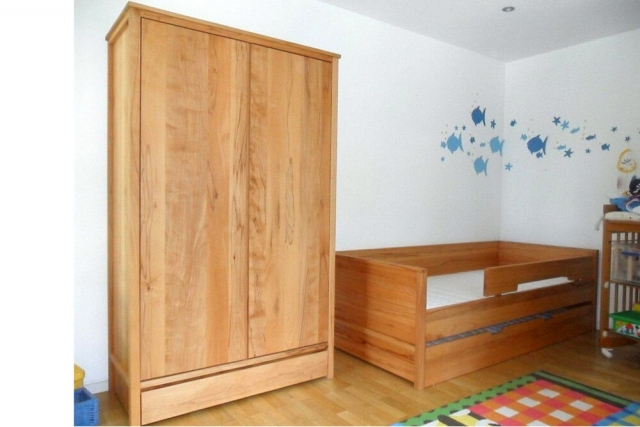 Kinderzimmer aus massivem Buchenholz