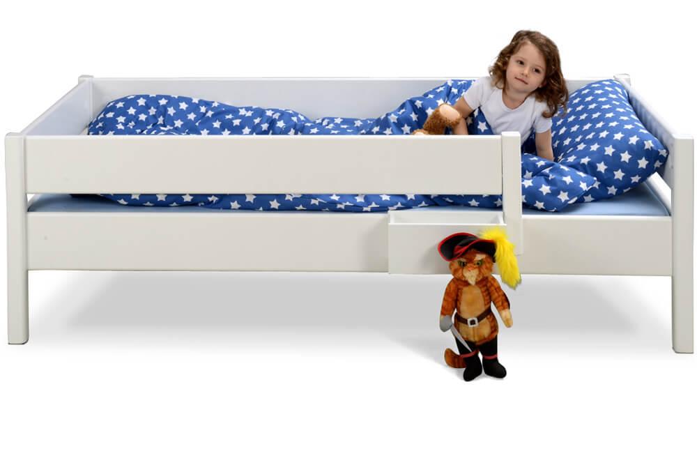 wei lackiertes kinderbett kinto basic aus holz. Black Bedroom Furniture Sets. Home Design Ideas