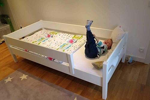 weiß lackiertes Kinderbett KINTO basic
