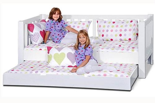 klassische kinderbetten von m nchens gr tem fachgesch ft. Black Bedroom Furniture Sets. Home Design Ideas