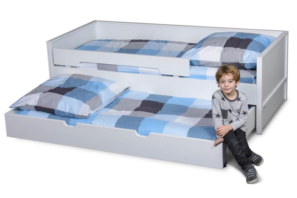 das Nestbett, ein Kinderbett mit Gästebett, weiß lackiert