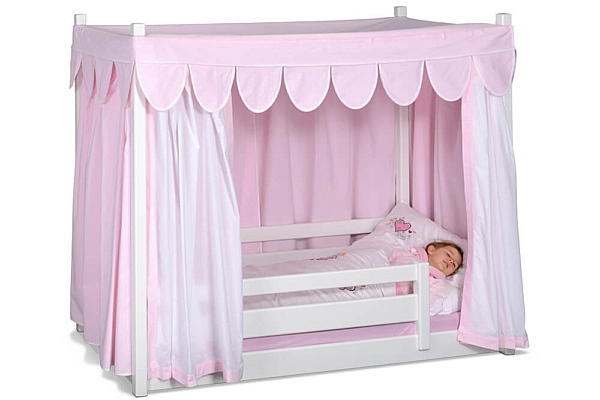 Himmelbett-weiss-lackiert-rosa-Vorhaenge-picco-07