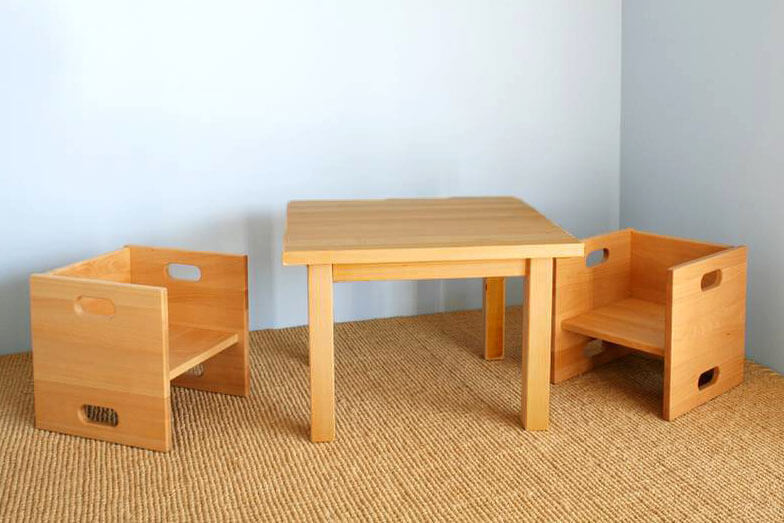 mitwachsender Kinderstuhl CUBICO aus Buchenholz