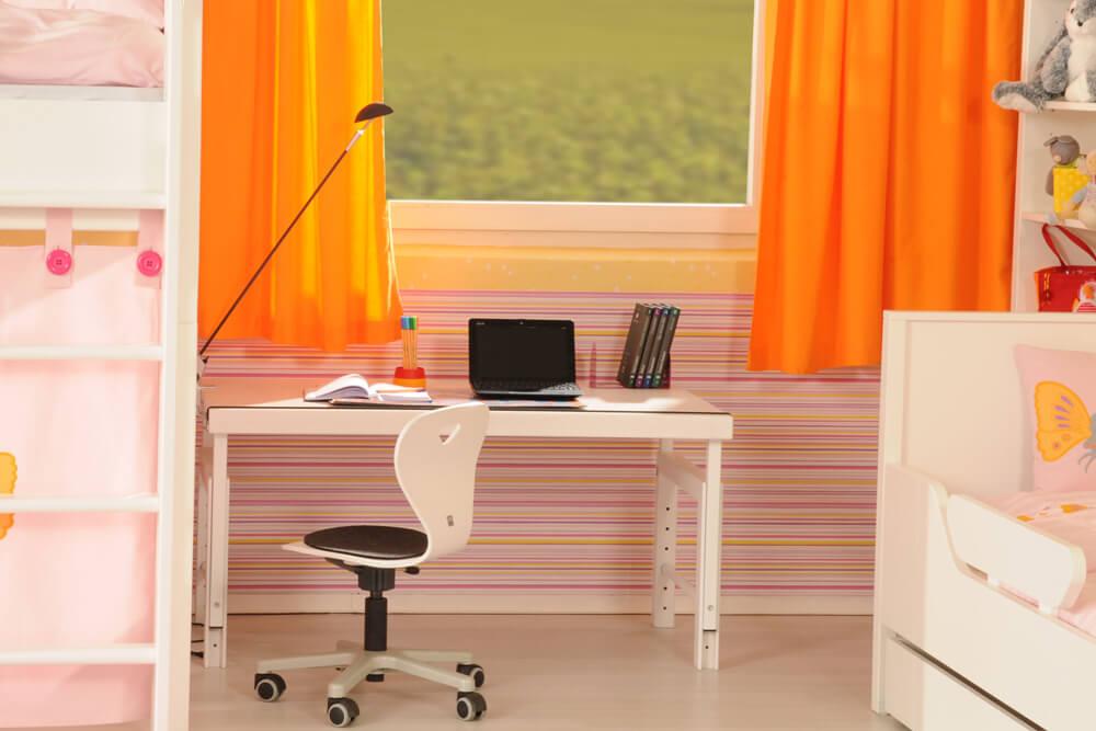 ziggy basic wei massivholz schreibtisch mit schublade. Black Bedroom Furniture Sets. Home Design Ideas