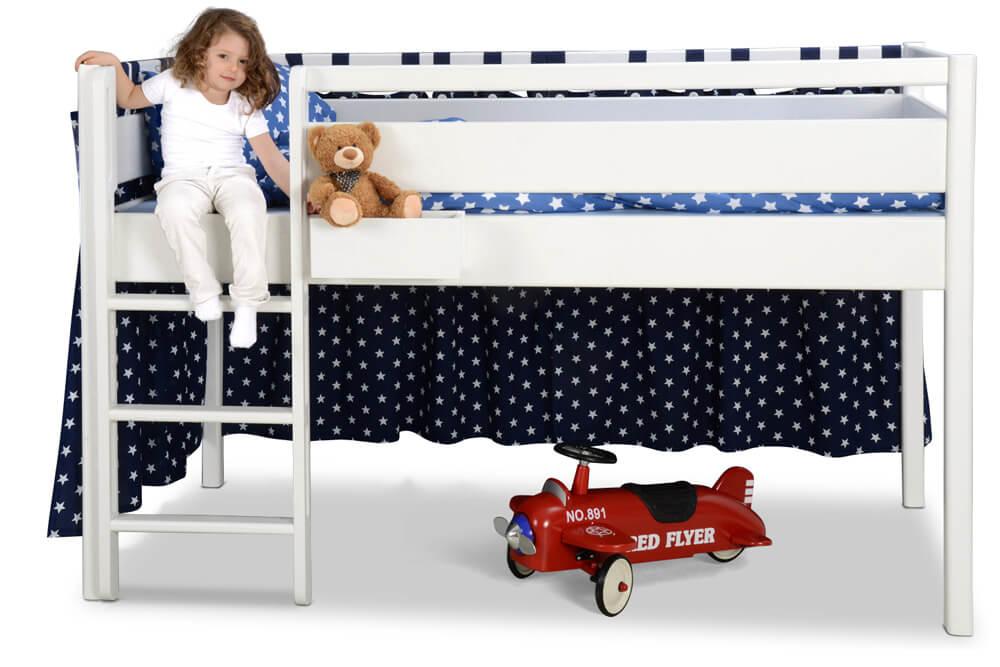 Kinderbett Hochbett-halbhoch Kinto, weiß lackiertes Holz