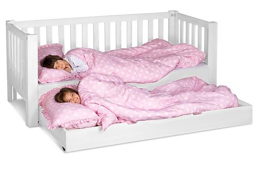 weiß lackiertes Kinderbett Listo mit Gästebett, aus weiss lackierter Buche. Hersteller: SALTO - Möbel für Kinder / München