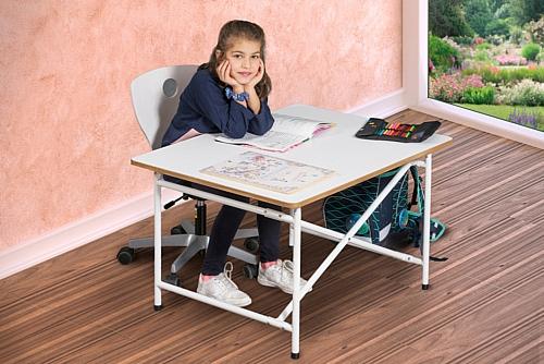 Kinderschreibtisch KINTO / SALTO Kindermöbel München
