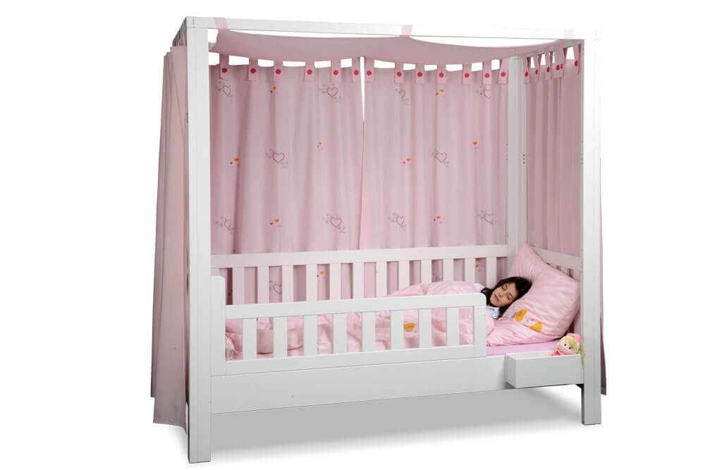mitwachsendes Kinderbett LISTO-flex, das weiss lackierte Kinderbett aus Buchenholz