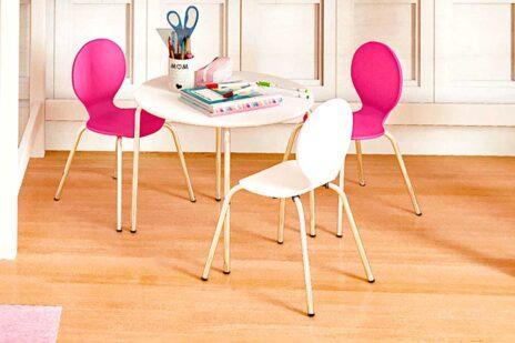 Kinderstuhl CLASSIC mit farbig beschichteter Sitzfläche. Hersteller: SALTO - Möbel für Kinder München
