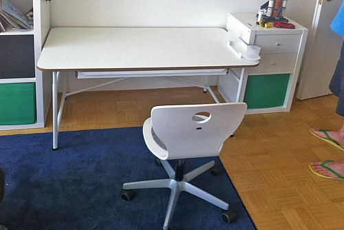 Kinder-Schreibtisch KINTO, mit Schublade