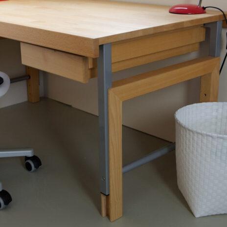 Kinder-Schreibtisch ZIGGY basic , aus Buchenholz